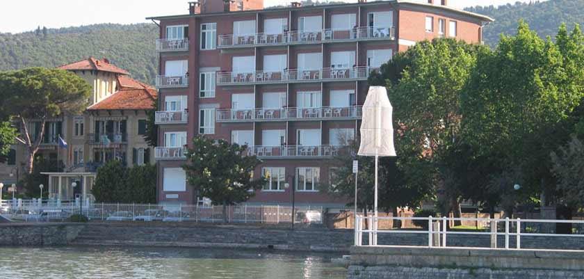 Hotel Lido, Lake Trasimeno, Italy - hotel exterior.jpg